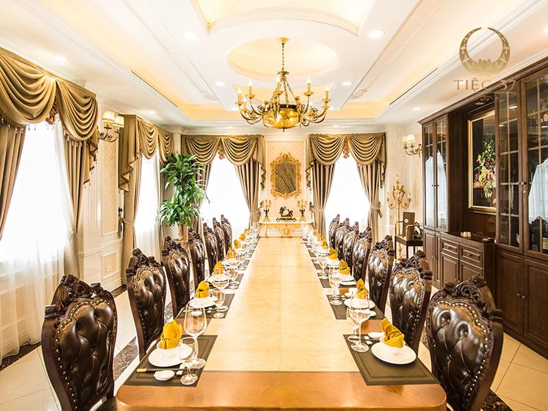 Nhà hàng 37A Hùng Vương – Địa điểm tổ chức tiệc công ty với không gian sang trọng và ấm cúng