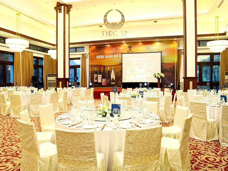 Nhà hàng NCC – Địa điểm tổ chức tiệc công ty sang trọng và đẳng cấp