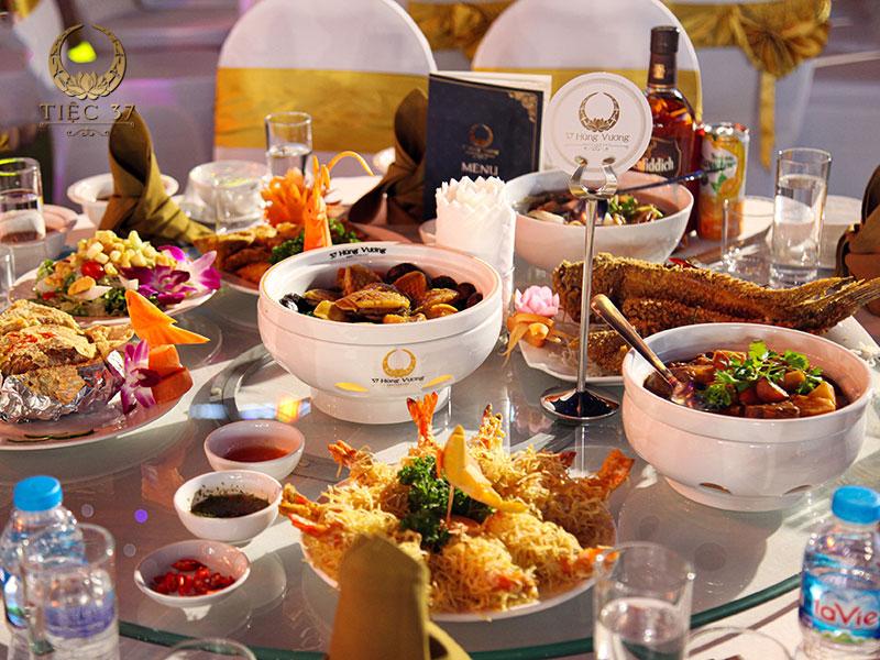 Món ăn đãi tiệc thơm ngon, chất lượng