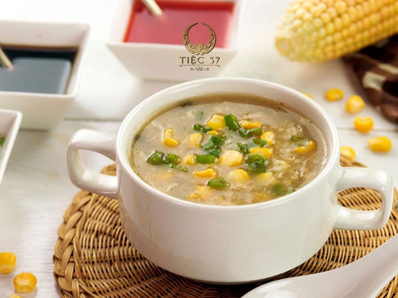 Soup gà ngô non thanh ngọt - Những món ăn cho tiệc lưu động được lựa chọn nhiều