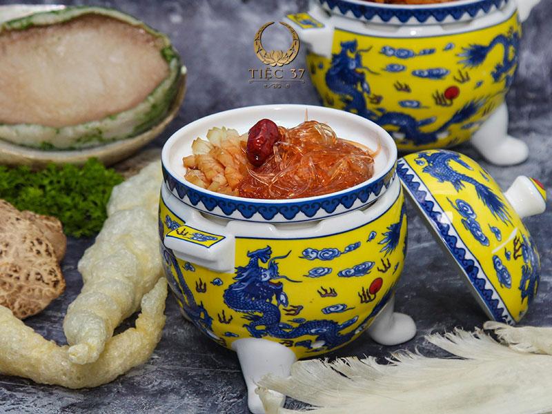 Soup vi cá bào ngư 37 đệ nhất - Những món ăn cho tiệc lưu động được lựa chọn nhiều