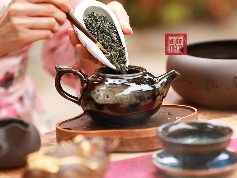 Hương vị độc đáo của trà cổ thụ là điểm nhấn để lại ấn tượng sâu sắc đối với khách thưởng trà