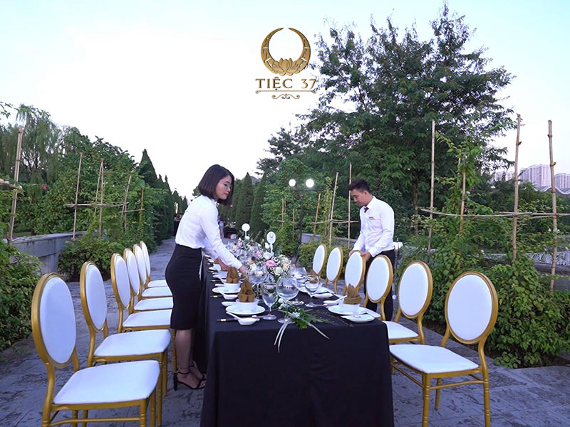 Thương hiệu và chất lượng của Tiệc 37 được khẳng định qua nhiều năm kinh nghiệm tổ chức trong ngành dịch vụ nhà hàng cao cấp