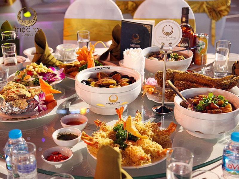 Thực đơn món ngon đặt tiệc đa dạng và phong phú