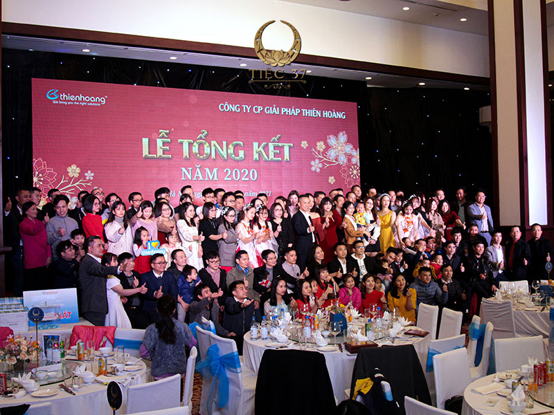 Tổ chức tiệc cuối năm cho công ty tràn đầy ý nghĩa