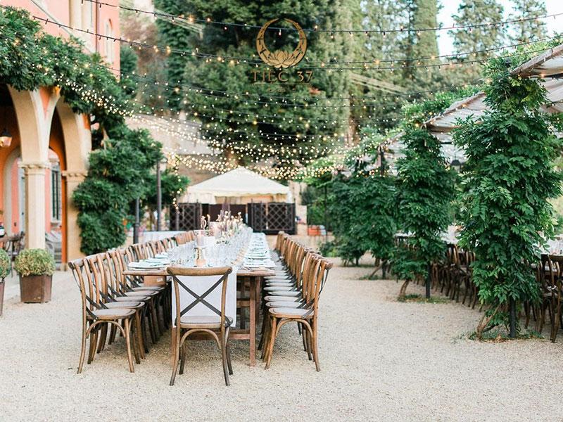 Đám cưới ngoài trời với phong cách Rustic mộc mạc nhưng thời thượng