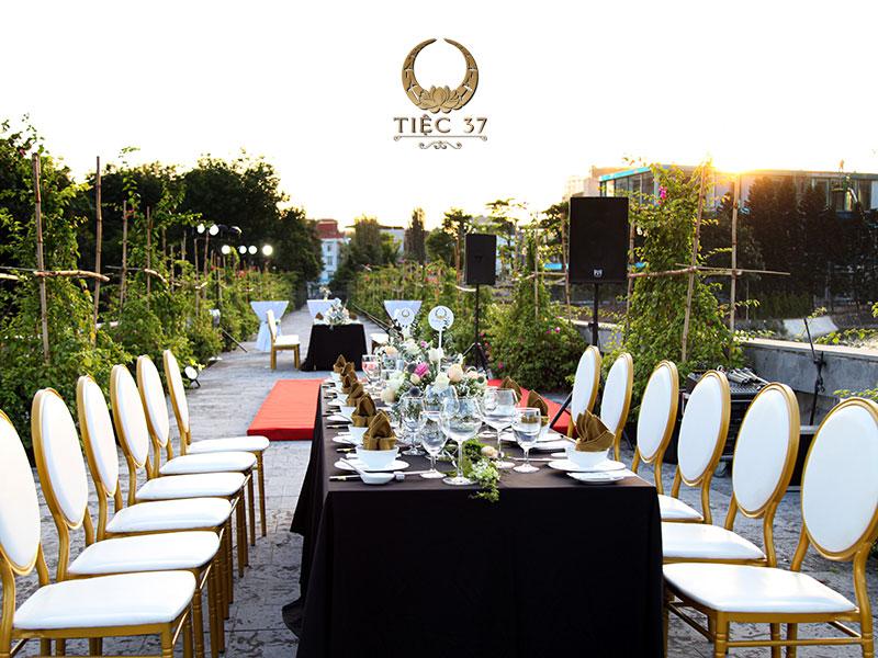 Tiệc 37 sẽ mang đến cho quý khách hàng một buổi tiệc 20/11 tri ân ngày Nhà giáo Việt Nam trọn vẹn