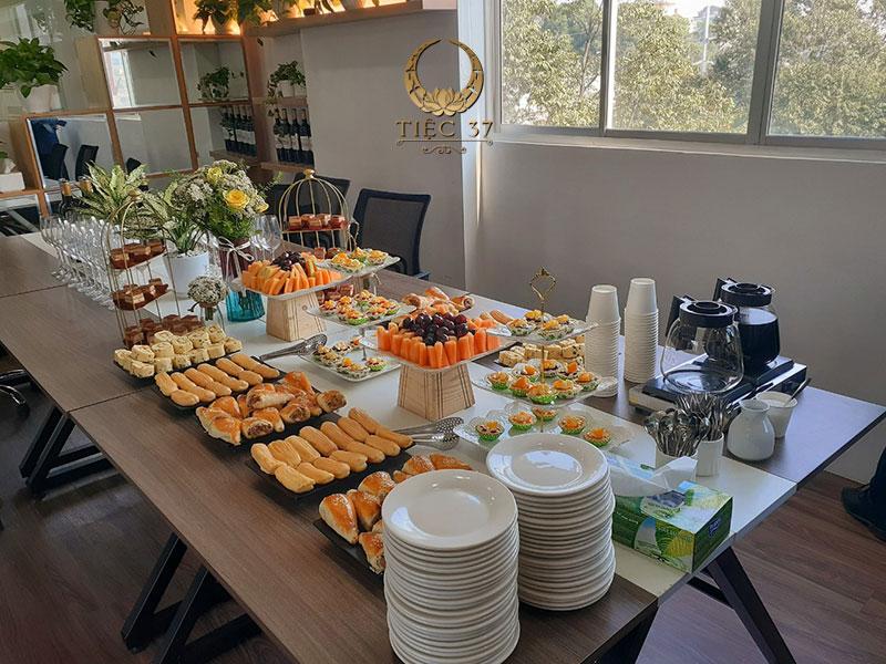 Tiệc công ty - Tiệc trà