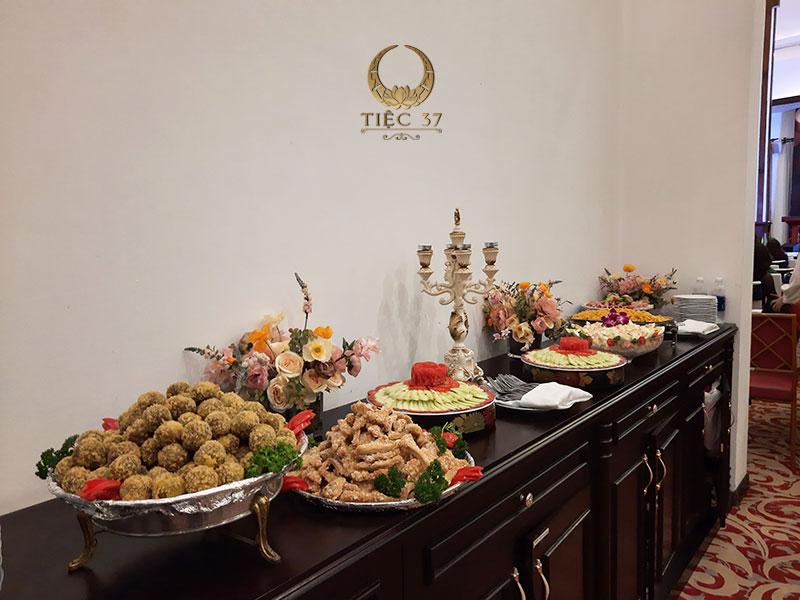 Cách setup bàn tiệc buffet đúng chuẩn nhà hàng