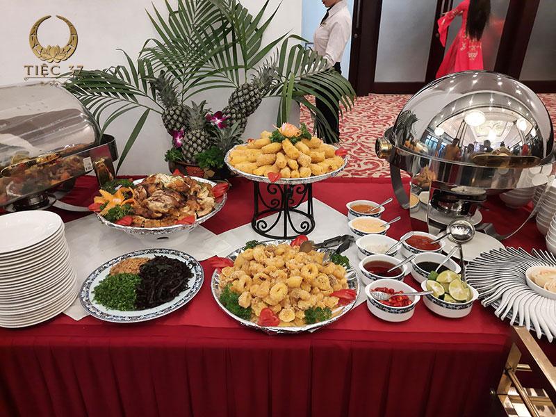 Các món được lựa chọn phù hợp với khẩu vị của đại đa số khách mời trong bữa tiệc