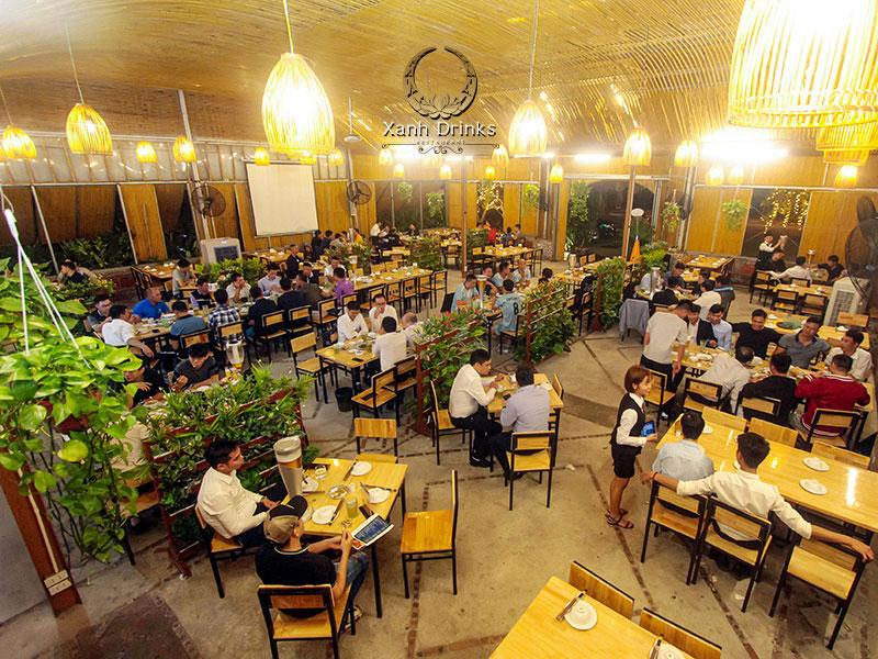 Không gian rộng rãi tại nhà hàng Xanh Drinks