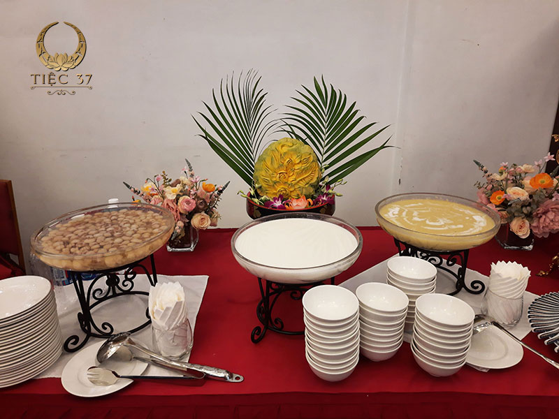 Món tráng miệng là những món được phục vụ cuối cùng và là món ăn không thể thiếu trong thực đơn tiệc tất niên
