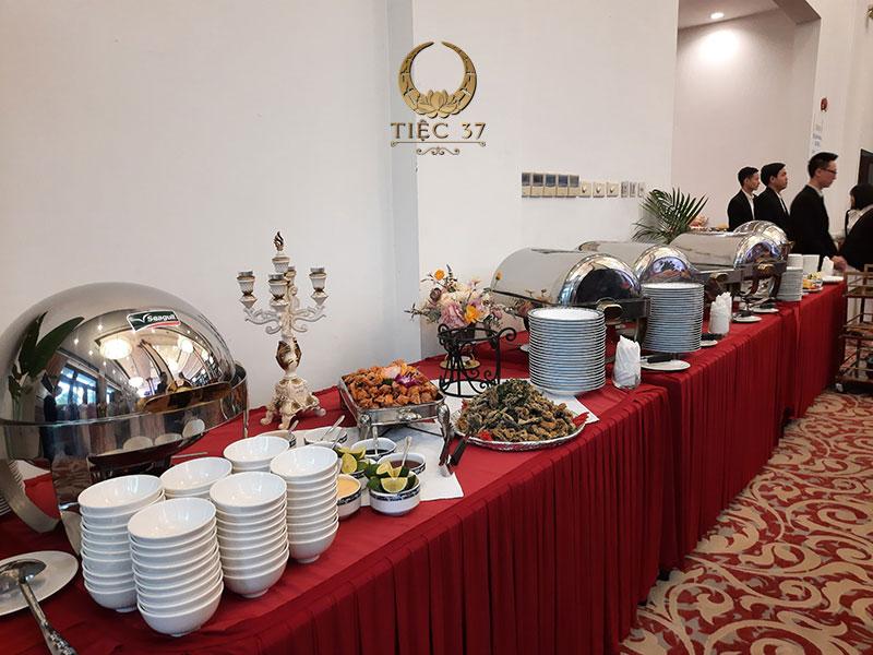 Tổ chức theo kiểu tiệc buffet hiện đại