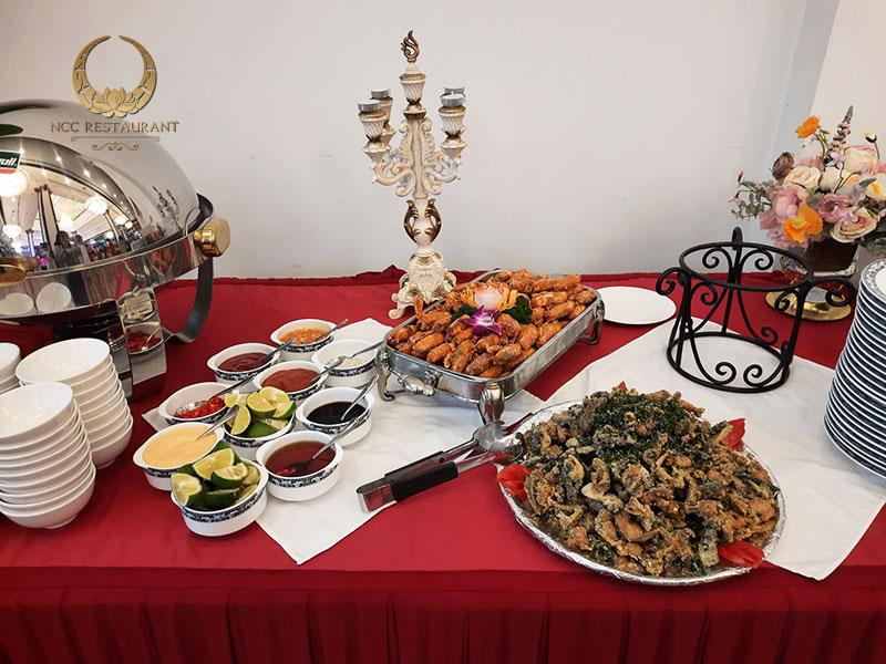 Tổ chức tiệc buffet tại nhà hàng