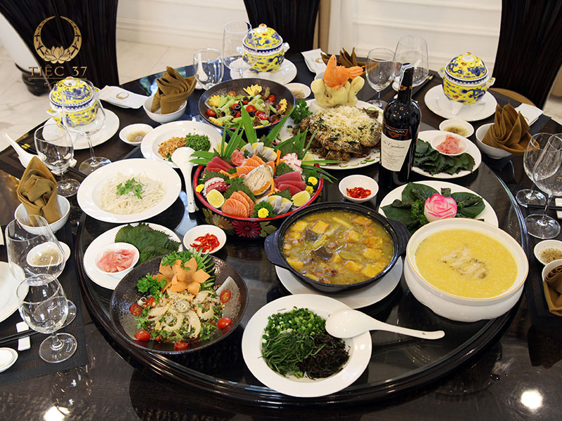 Những món ngon đa dạng trong thực đơn tiệc lưu động