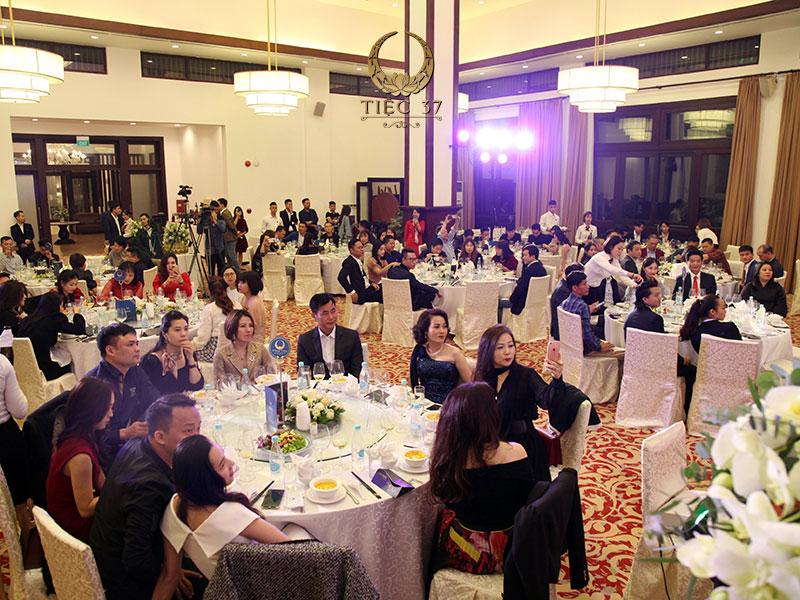 Xu hướng tổ chức tiệc tất niên tại nhà hàng