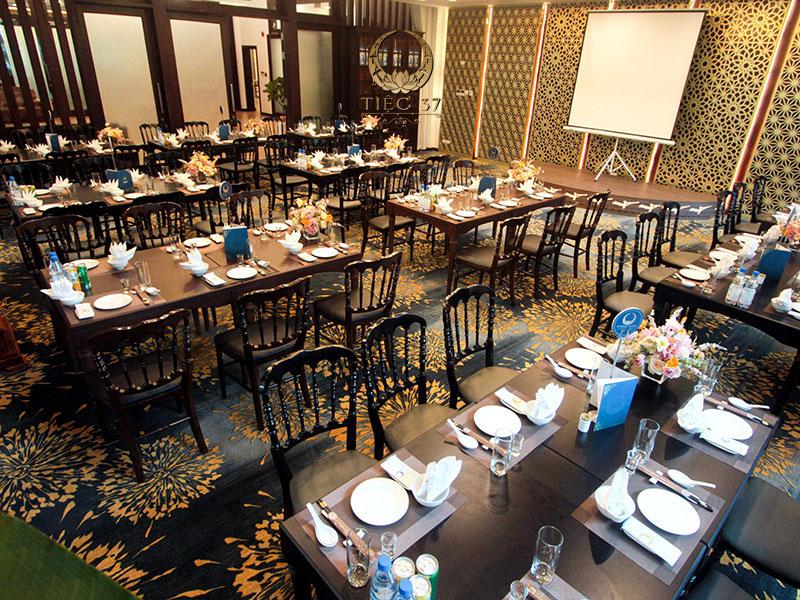 Phòng tiệc VIP tại nhà hàng NCC với lối kiến trúc hoàng gia sang trọng