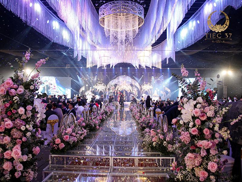 Tiệc cưới đẳng cấp