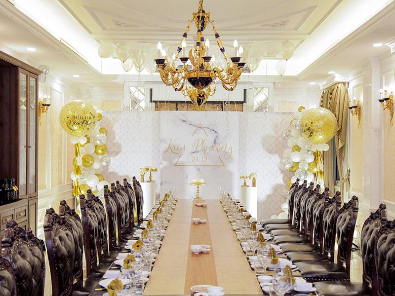 37 Hùng Vương – Nhà hàng có phòng riêng tổ chức sinh nhật phong cách tân cổ điển