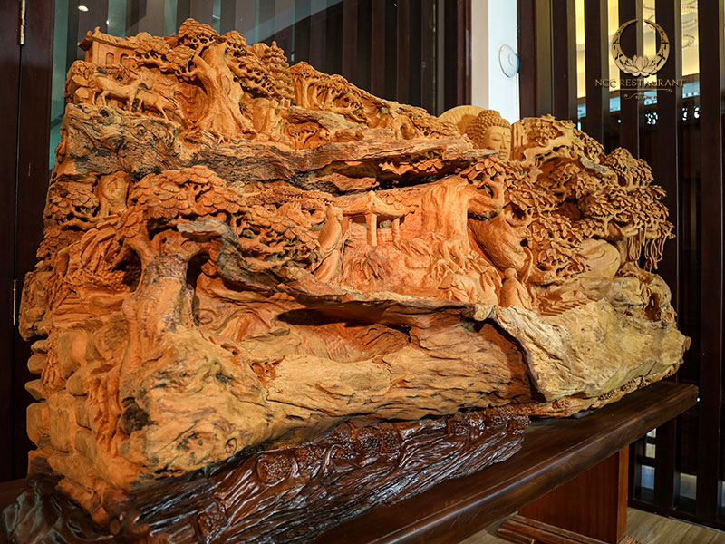 """Bộ tượng """"Hướng Phật"""" với chất liệu gỗ Mít"""