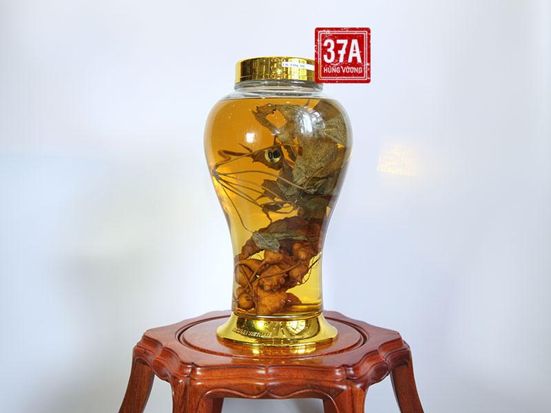 Rượu sâm Ngọc Linh tại nhà hàng 37A Hùng Vương