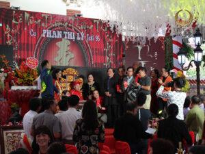 Tổ chức tiệc thượng thọ sang trọng và ý nghĩa
